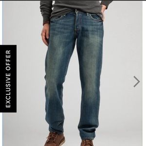 Lucky Brand Classic Fit Original 221 Straight Jean